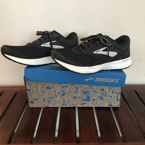 Brooks Revel 3 - size 8.5! Worn twice!